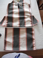Deluxe Apron with Pouch